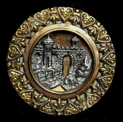 Antique BUTTON Large VICTORIAN The Prince RETURNS Nice!