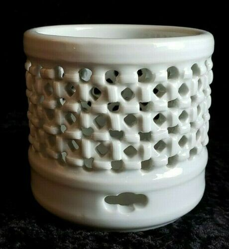 Vintage rare Celadon basket weave pierced braid design signed pale green dish