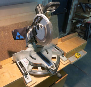 """Scie onglet double biseau12"""" Delta 36-412 miter saw with base"""