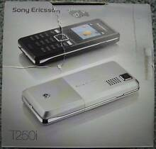 Sony Ericsson T250i (unlocked) mobile phone with box Glen Waverley Monash Area Preview