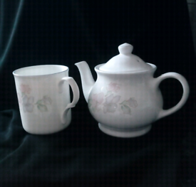 Teapot and Mug Set