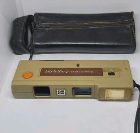 Vintage Stylelite Film Pocket Camera with case working