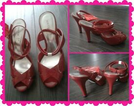 LADIES RED HEELED SHOES (SIZE: 5)