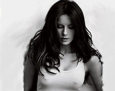 Kate Beckinsale Unsigned 8X10 Photo  74