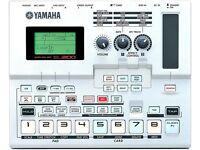 Classic sampler - YAMAHA SU-200 sampling sequencer w/ SmartMedia 3.3v card & AC adaptor (2000)