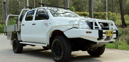 2008 (09 first registered) TOYOTA HILUX 4X4 DualCab Manual Diesel Wyong Wyong Area Preview