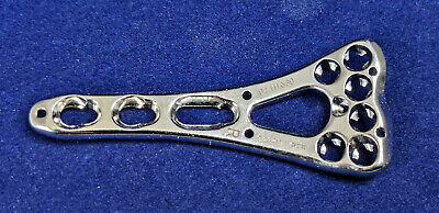 Synthes 02.111.630 2.4mm Lcp 2-col. Volar Distal Radius Plt 6 Head3 Shaft Right