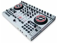 Native Instruments Kontrol S4 with white (NEED GONE ASAP)