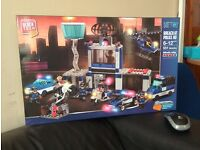Block Tech - Breach at Police Headquarter Lego Style £10