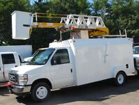 2009 Ford E-450 gas 12 ft service box bucket truck