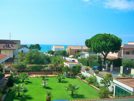 HOLIDAY HOME IN ANZIO / Metropolitan City of ROME / ITALY * Sea in 100m, Station to Rome in 350m