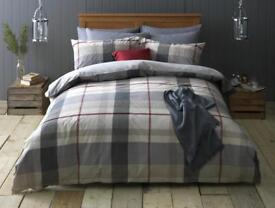 New Fully Reversible 100% Soft Cotton Percale Double Bed Set. Was £44, Sell £20