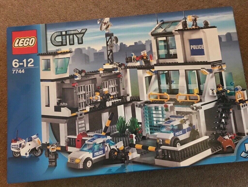 Lego City Police Headquarters 7744 In Roslin Midlothian Gumtree