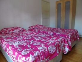Twin room available in Bethnal Green station. £190pw all incl