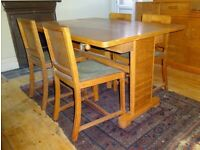 ART-DECO 1920s/30s OAK EXTENDING 4/6 SEATER DINING TABLE & 4 MATCHING CHAIRS ORIGINAL TO THE TABLE