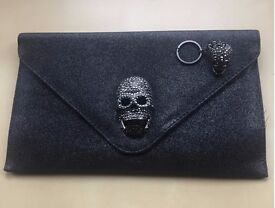 STUNNING UNIQUE Metallic Dark Grey Silver Skull Clutch Handbag & Matching Keyring (Day of the Dead)