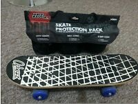 SKATEBOARD WITH SAFETY PAD SET EXCELLENT CONDITION