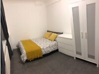 Double room ONLY 10 mins walk to Amazon Depot and station RM18