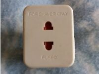 Shaver Plug Adapter 2-pin Shaver to 3-pin Plug Fused