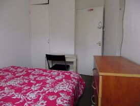 Single room available in Stepney green statiohn. £150pw all incl