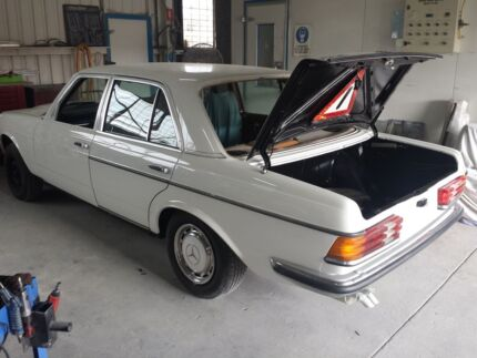 Mercedes restored 280e Kippa-ring Redcliffe Area Preview