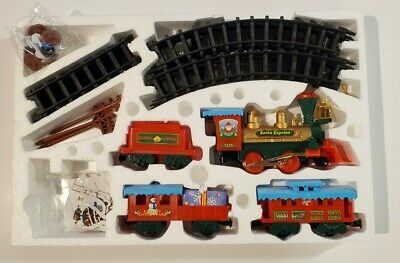 EZTEC Christmas Train Set Battery Operated. Santa Express 10093