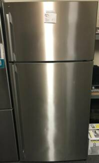 Electrolux 520L Fridge and Freezer /12 Months warranty Y061