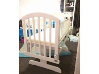 VIB - Rocking Baby Crib White