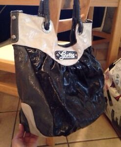 Like new Authentic Guess tote purse!