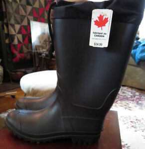 Mens rubber boots.