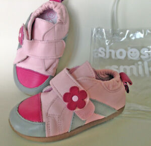 NEW SHOOSHOES girls shoes, soft natural leather in original pack