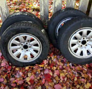 205/65/R16 winter tires on rims. Fits on Mazda, Kia and Hyundai