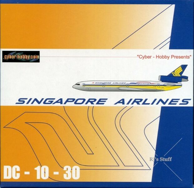 RARE SINGAPORE AIRLINES McDonnell Douglas DC-10-30 1:400 Scale Model Aircraft with Vintage Livery