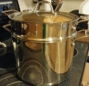 Like New Pasta Pot with Strainer Stainless Steel
