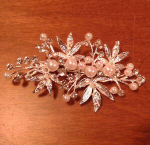 Bridal Silver Rhinestone Pearl Leaf Hair Clip Accessories - NEW