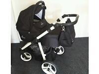 Venicci baby pram/stroller/pushchair 3in1