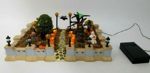 Lemax Spooky Town HALLOWEEN GARBAGE GHOUL & JACK O' LANTERN WAY FRONT YARD