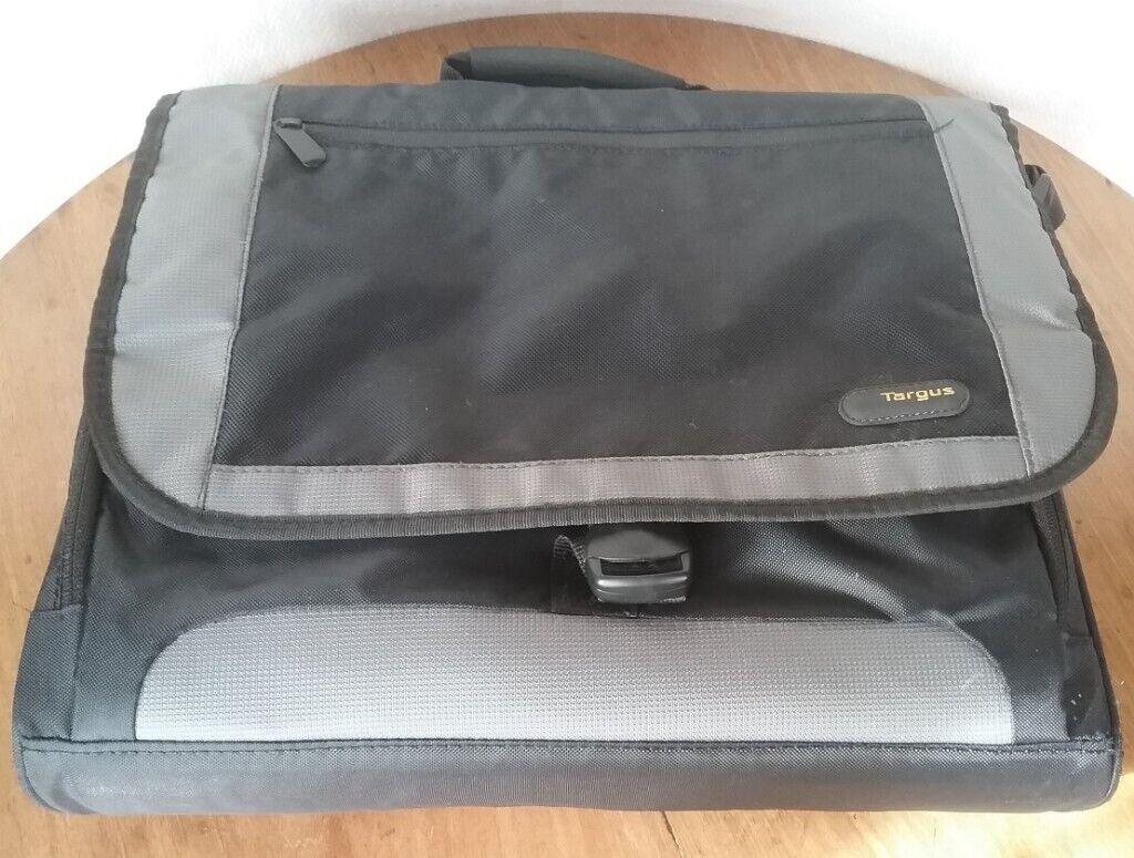"""Dell X871D Targus XL CityGear 17.3/"""" Padded Laptop Messenger Notebook Bag NEW"""