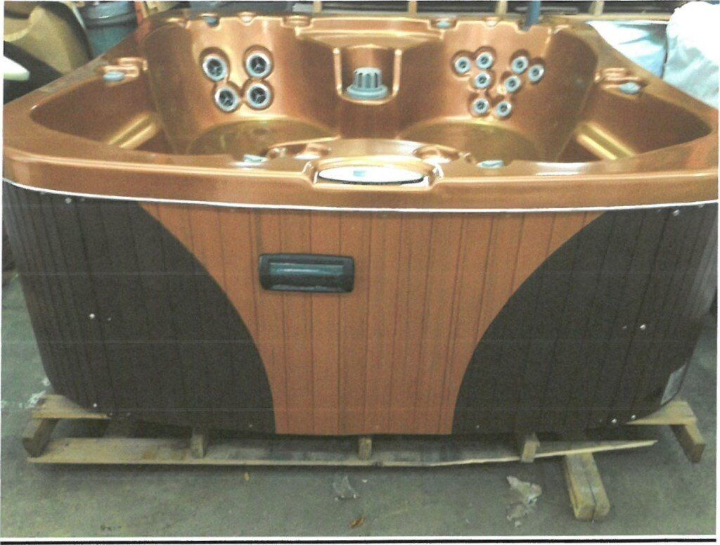 Santa Fe 18870in Kidderminster, WorcestershireGumtree - Santa Fe 2011 model. Comes with CD/FM radio player. Features his and her captains chairs which provide a full body massage. Multi level bench and double swivel seats finish off this spas impressive design. Delivery quoted separately. Comes with 6...