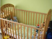 Mamas & Papas Amelia drop-side Cot in superb condition