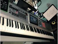 Roland Fantom G8 keyboard