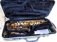 BEUTIFUL RARE EARLHAM NICKEL AND GOLD STUDENT SAXOPHONE IMMACULATE CONDITION