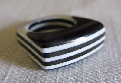 Vintage Black & White Layered Stacked Lucite Stripe Ring - Size 6.5