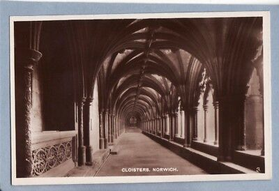 POSTCARD - CLOISTERS, NORWICH CATHEDRAL, NORFOLK - RP - Unposted