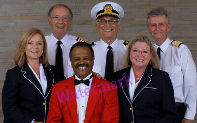 THE LOVE BOAT 70'S-80'S TV SHOW FULL CAST STONE WALL BACKDROP PUBLICITY PHOTO - 80s Photo Backdrop