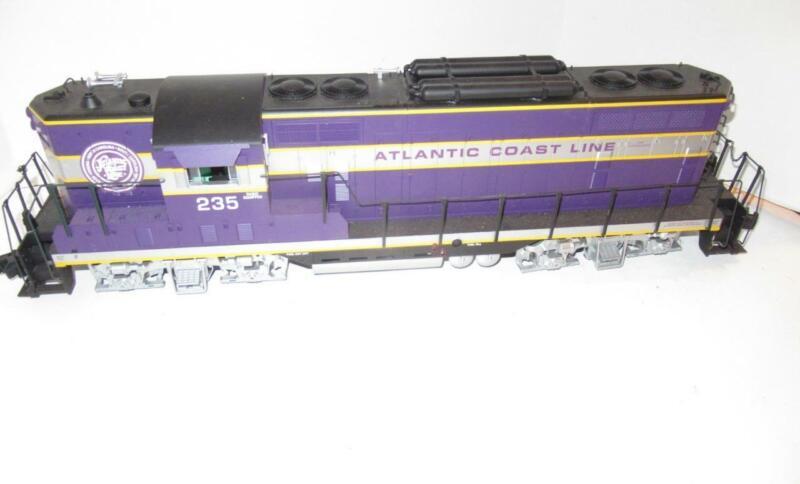 USA TRAINS - G SCALE- ATLANTIC COAST LINE DIESEL- RUNS GOOD- 2 MOTORS  - HB1