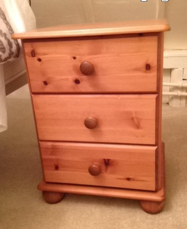 Matching pair pine 3 drawer bun feet bedside cabinets in  : 86 from www.gumtree.com size 634 x 775 jpeg 43kB