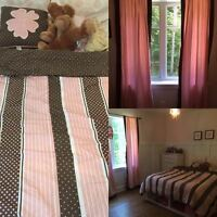 GIRLS DOUBLE BED REVERSIBLE COMFORTER & CURTAINS