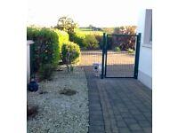Ibex mesh fence panels & posts