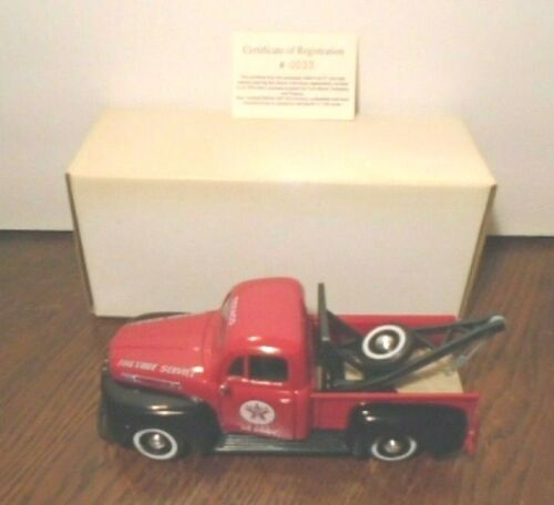 NEW TEXACO 1949 FORD F1 LICENSED FIRE CHIEF WRECKER CERTIFICATE #0033 1/25